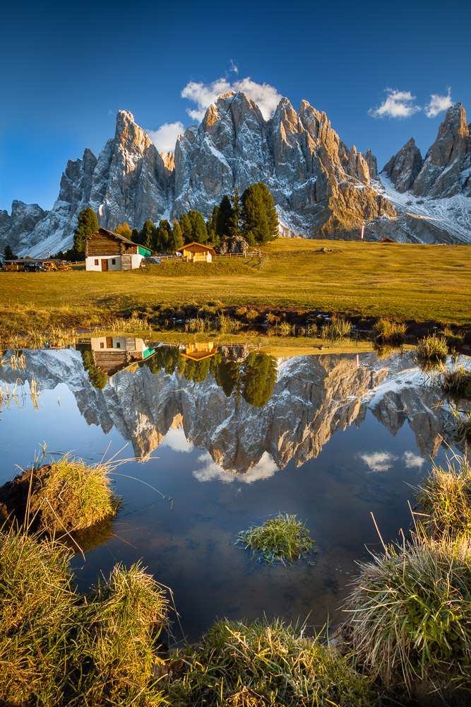 Fall Reflection, Geisler Alm, Südtirol, Dolomiten, Italien