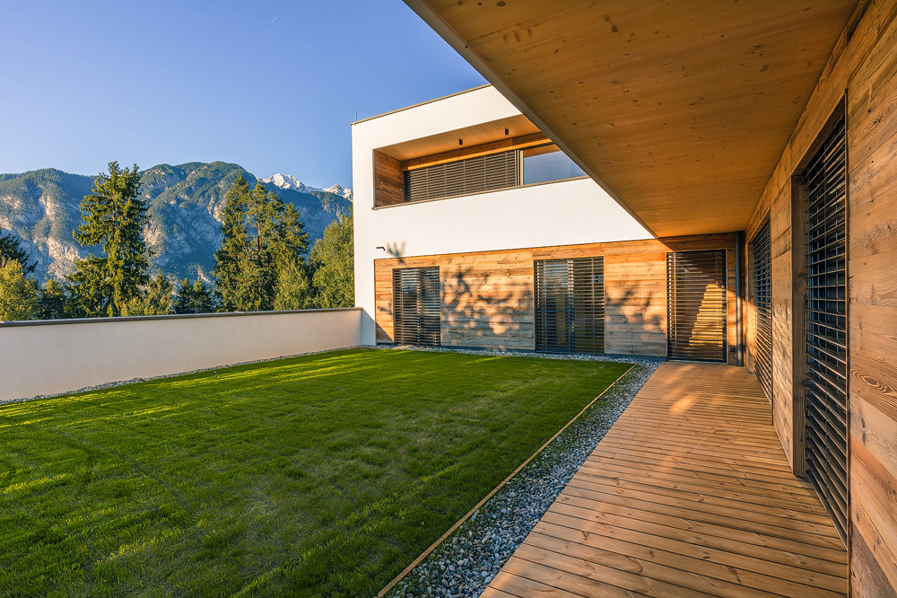 Innenhof eines Einfamilienhauses, Tirol