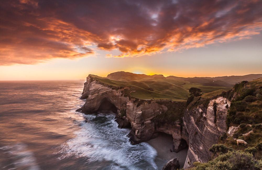 Northend sunrise, Wharariki, Neuseeland