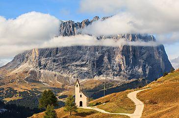 Kapelle der Alpini, Grödner Joch, Südtirol, Dolomiten, Italien