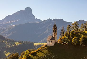 Kirche St. Barbara in Wengen, Dolomiten, Südtirol, Italien